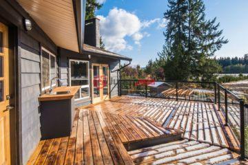 居外网在售加拿大5卧3卫最近整修过的房产总占地103195平方米USD 1,409,000