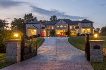 居外网在售美国7卧11卫新房的房产总占地9311平方米USD 6,750,000