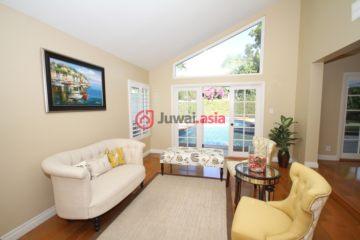 居外网在售美国尔湾6卧3卫的房产总占地542平方米USD 1,148,000