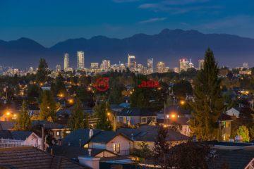 居外网在售加拿大3卧2卫原装保留的房产总占地604平方米CAD 4,288,000