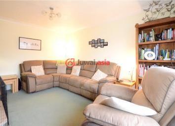 英国法恩伯勒3卧的房产家具怎么摆放图片